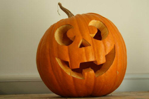 OK, the pumpkin itself is ready, let's start the fun