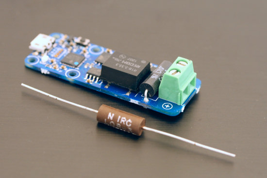 In order to transform a Yocto-Amp 10A into a YoctoAmp  20A, you need a 0,005 Ohm resistor