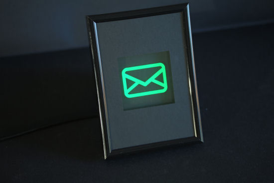 The luminous frame is used to signal mail in the mailbox