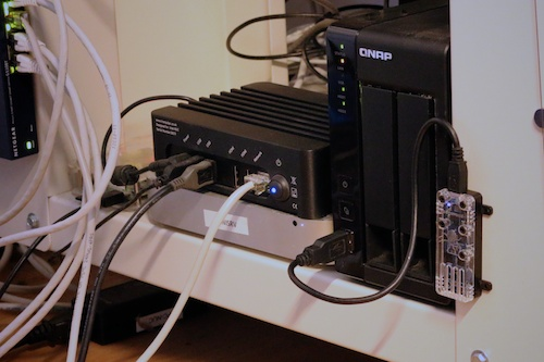 The Yocto-Temperature directly connected to the QNAP NAS USB port