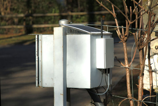 A mailbox with an antenna, what could be more normal? :-)