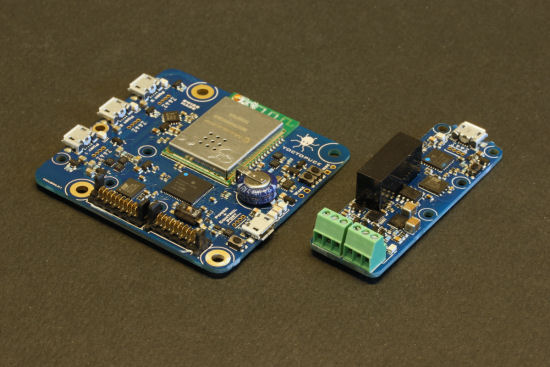 The electronic components of the project: a YoctoHub-Wireless and a Yocto-4-20mA-RX
